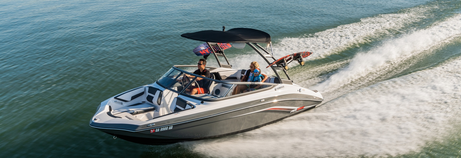 """LOA: 19'5"""" 