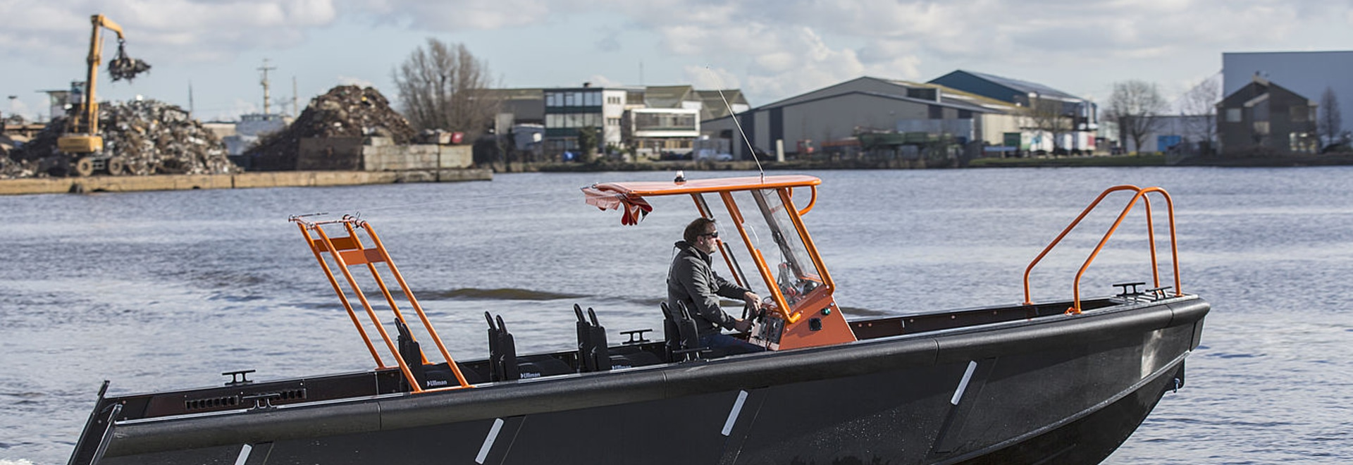 New Dutch high speed Crew Tender 'with balls'.