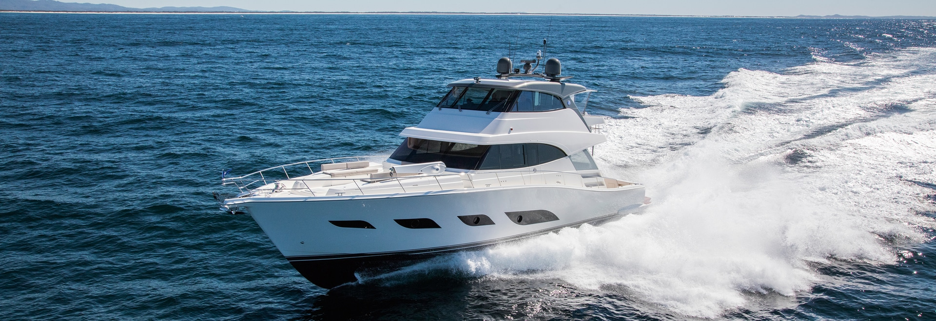 The strongest version of the twin engine system for the 68 Sports Motor Yacht produces impressive 3,800 hp (2,794 kW). © Riviera