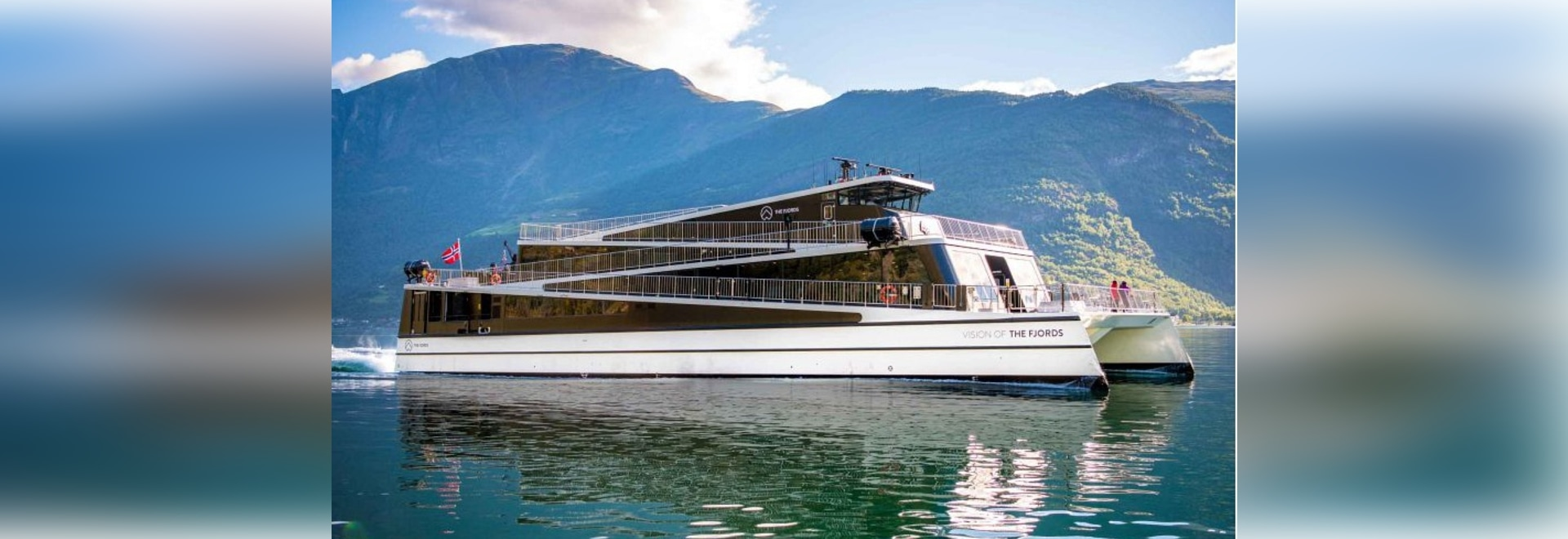 VISION OF THE FJORDS WINS SHIP OF THE YEAR 2016