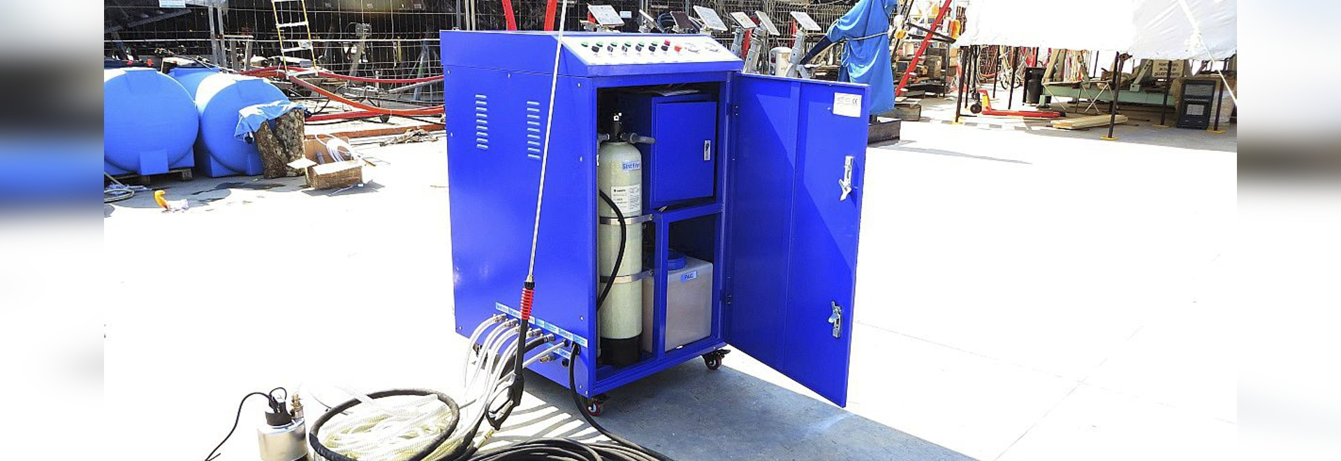 World First High Pressure washer with embedded water treatment plant.