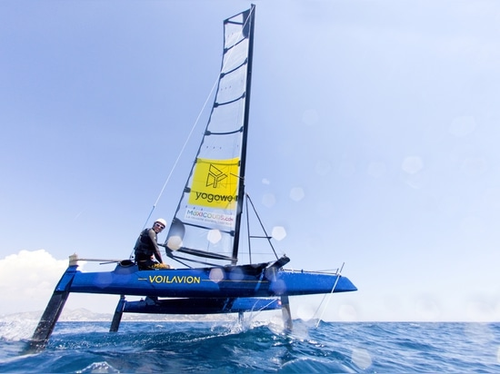 Voilavion, an 18-foot foiling beach catamaran, accessible to everyone