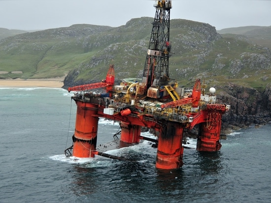 The drilling rig 'Transocean Winner' aground on the Isle of Lewis