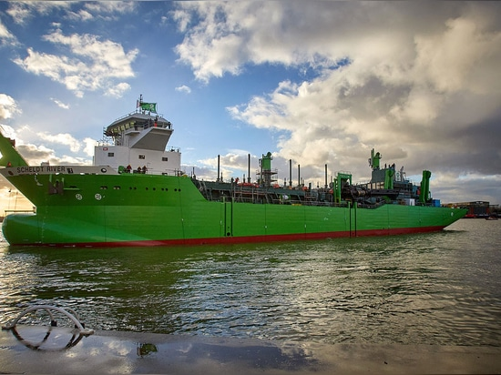 Royal IHC launches second LNG-fueled dredge for DEME Group