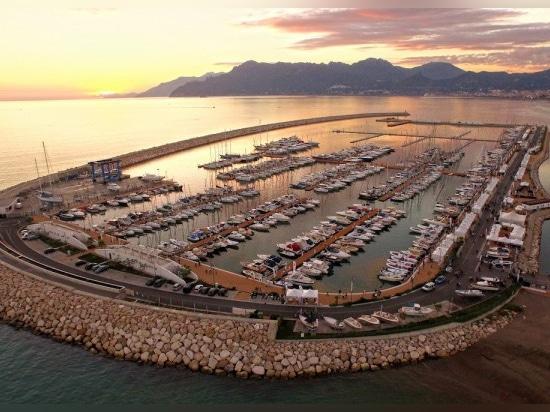 Marina d'Arechi opens on the Amalfi Coast