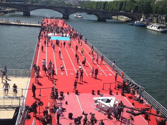 The 1st olympic floating track