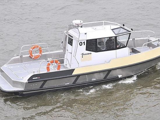 Inboard Service Boat: Porter 90