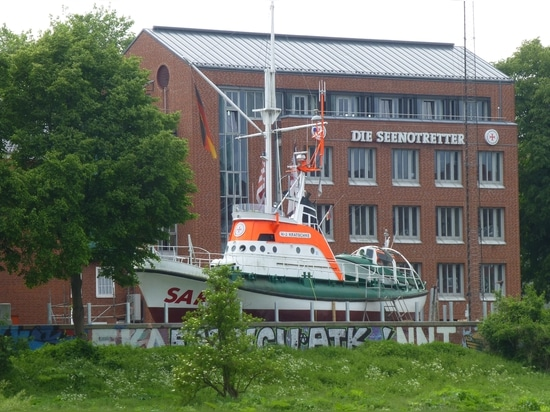 DGzRS HQ and home shipyard in Bremen (Photo: Tom Todd)