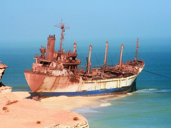 A famous wreck, the United Malika in Mauritania (Courtesy of Christophandre)