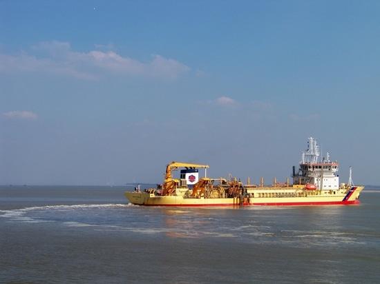 EUROPE'S FIRST LNG DREDGER GETS UNDERWAY AT DAMEN SHIPREPAIR DUNKERQUE