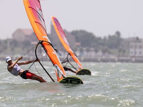 Geronimo Nores won all three races in the Boys' RS:X Class on Day 1 of the Youth Sailing World Championships.