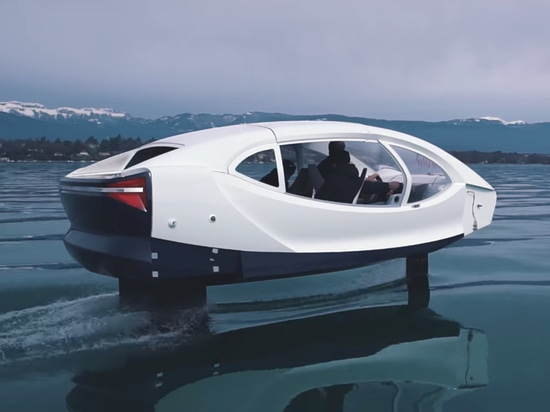 Sea trials with the Sea Bubble have been carried out on Swiss lakes