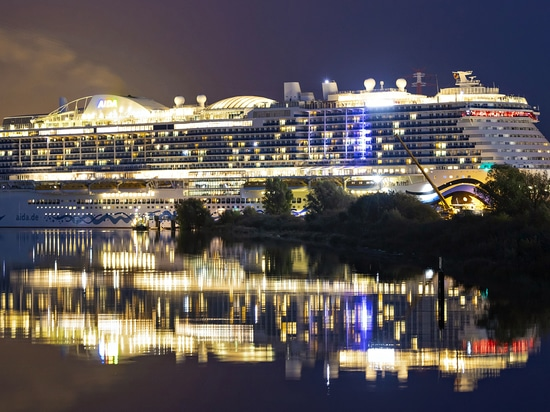 Delivery of World's 1st LNG-Powered Cruise Ship Postponed