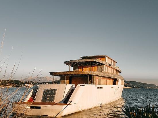 Perini Navi's new custom 56m motor yacht arrives in La Spezia
