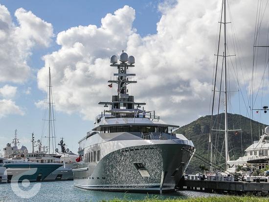Skat yacht in Antigua