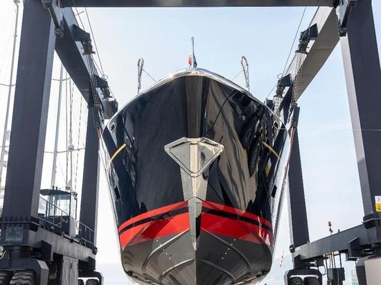 """Perini Navi described the Eco Tender as a """"mini superyacht"""" S"""