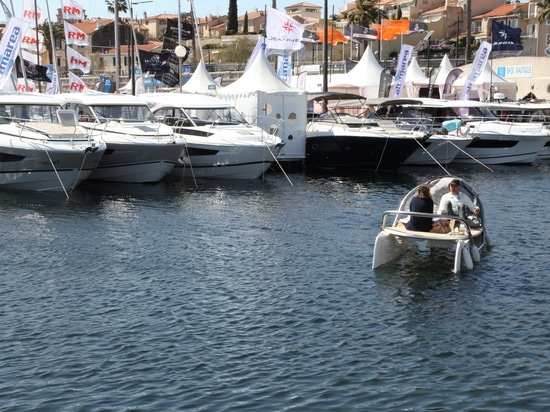 Ceclo on the water in La Ciotat