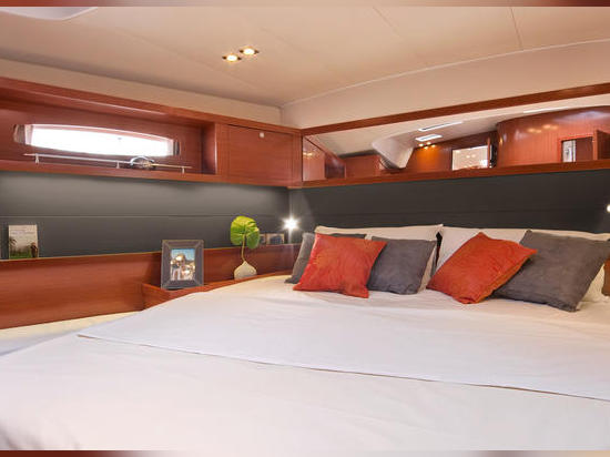 NEW ADDITIONS TO BENETEAU'S OCEANIS FAMILY
