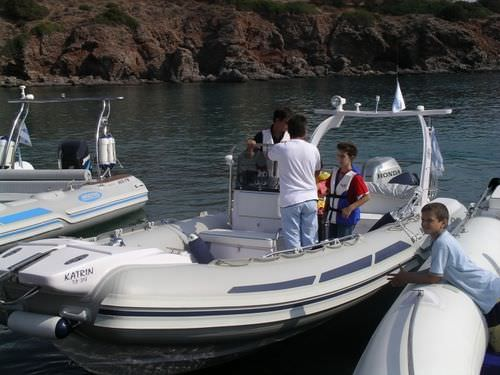 船外インフレータブルボート / 半硬式 / サイド コンソール / 10人