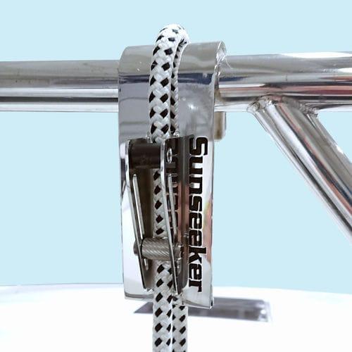 ボート用フェンダー調節装置 / 調整可能