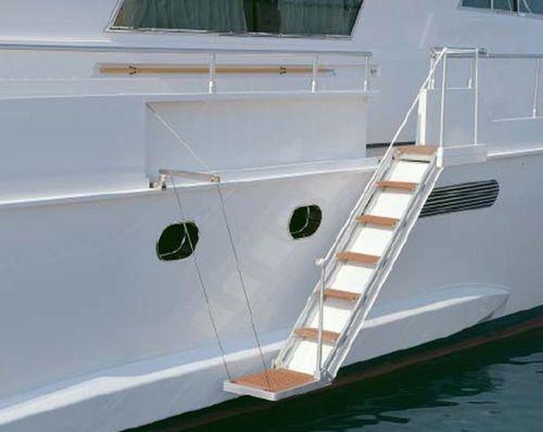ヨット用はしご / 側面 / 搭乗 / 油圧