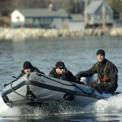 船外インフレータブルボート / 半硬式 / 折り畳み式 / 潜水