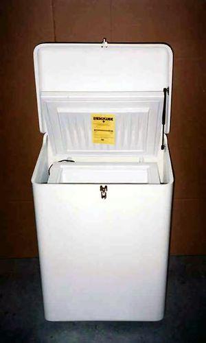 ボート用冷凍庫 / 上部搭載