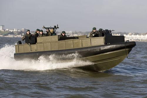 軍船 / インボードウォータージェット / 複合艇