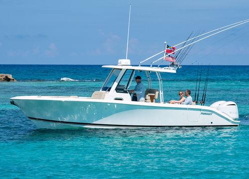 lancha de console central com motor de popa / bimotor / com console central / de pesca esportiva