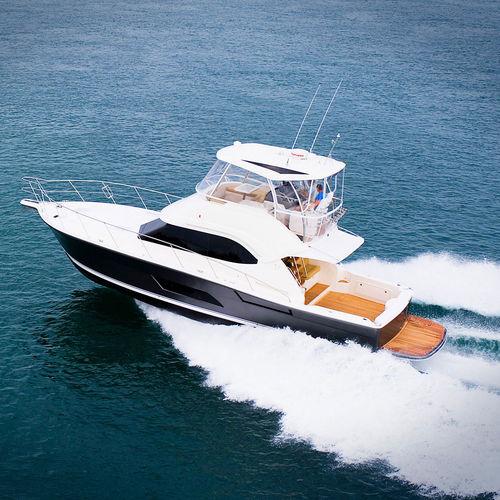 lancha Express Cruiser IPS POD / bimotor / com flybridge / open
