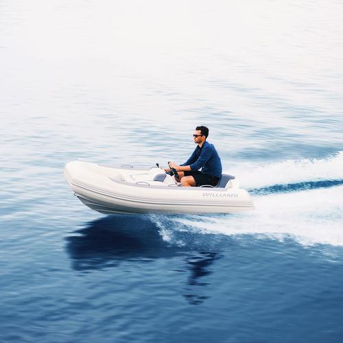 barco inflável hidrojato / semirrígido / com console jockey / máx. 3 pessoas