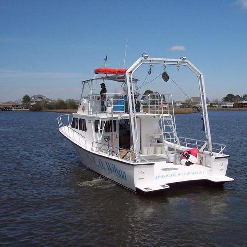 barco para pesquisa científica / com motor de centro
