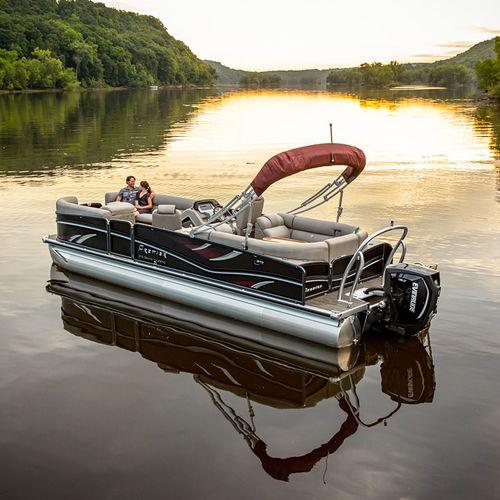 pontoon boat com motor de popa / tri-tube / de wakeboard / máx. 18 pessoas