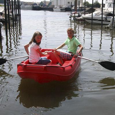 bote com motor de popa / rotomoldado / de 2 lugares