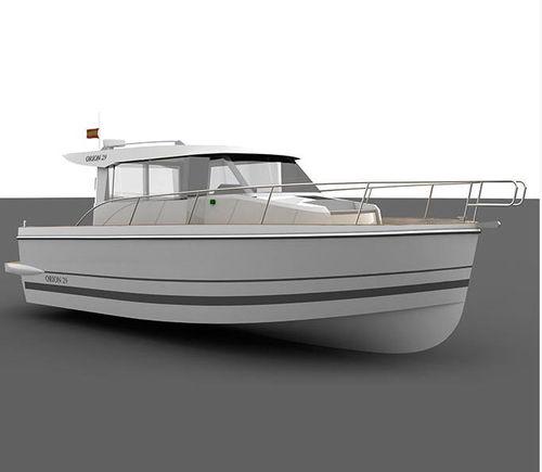 lancha Express Cruiser com motor de centro / com casco semiplanante / com hard-top / 1 cabine