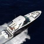 lancha Express Cruiser com motor de popa / trimotor / bowrider / esportiva