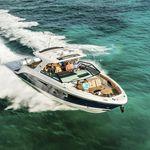 lancha Express Cruiser com motor de popa / trimotor / open / bowrider