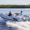 barco inflável com motor de popa / semirrígido / com console lateral / em fibra de vidro