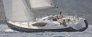 deck-saloon-sailboat