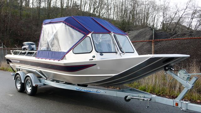 Outboard runabout / dual-console / sport-fishing - 23