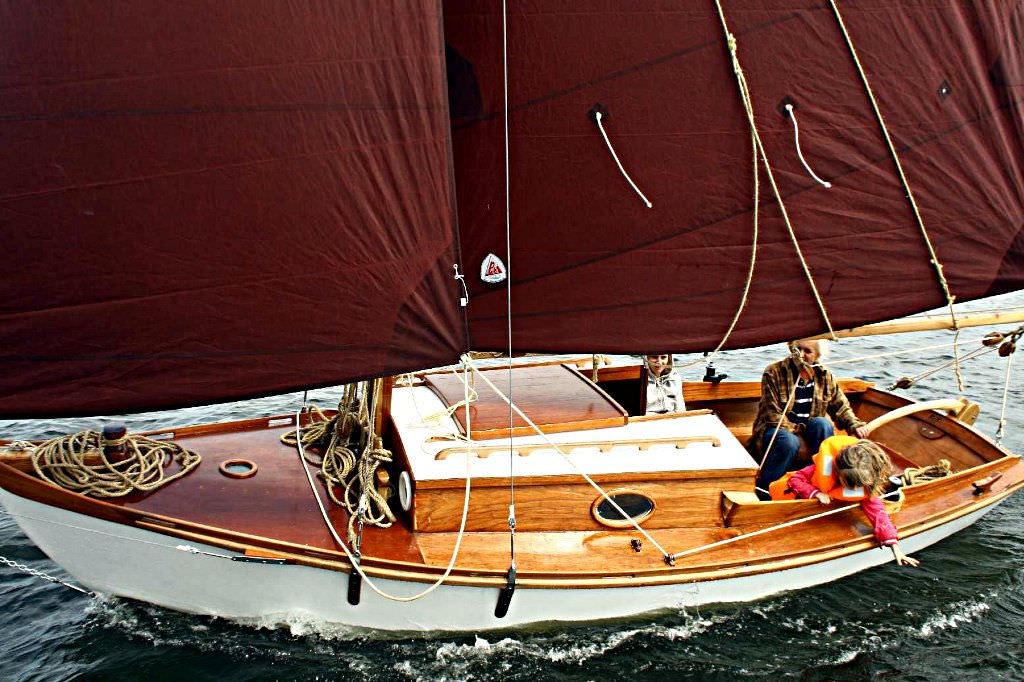 Classic Sailboat Winter Wren Ii Devlin 1 Cabin