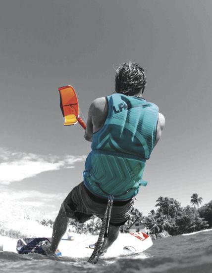 Kitesurfing Impact Vest / Adult - Supreme - Liquidforce Kites - Videos