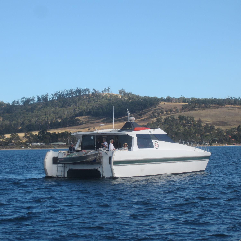 Catamaran motor yacht / charter / hard-top / wheelhouse