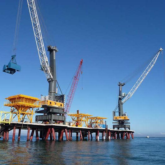 Port crane / luffing jib - LFS - Liebherr-International