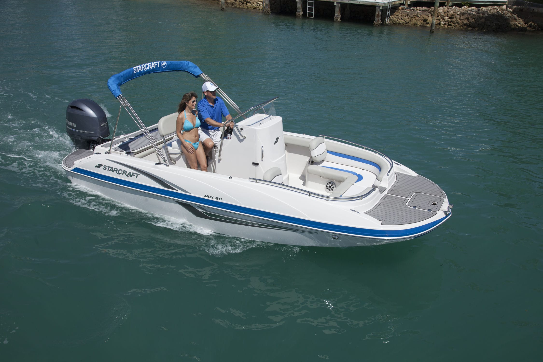 Outboard deck boat / sport-fishing / 12-person max  211 MDX OB Starcraft