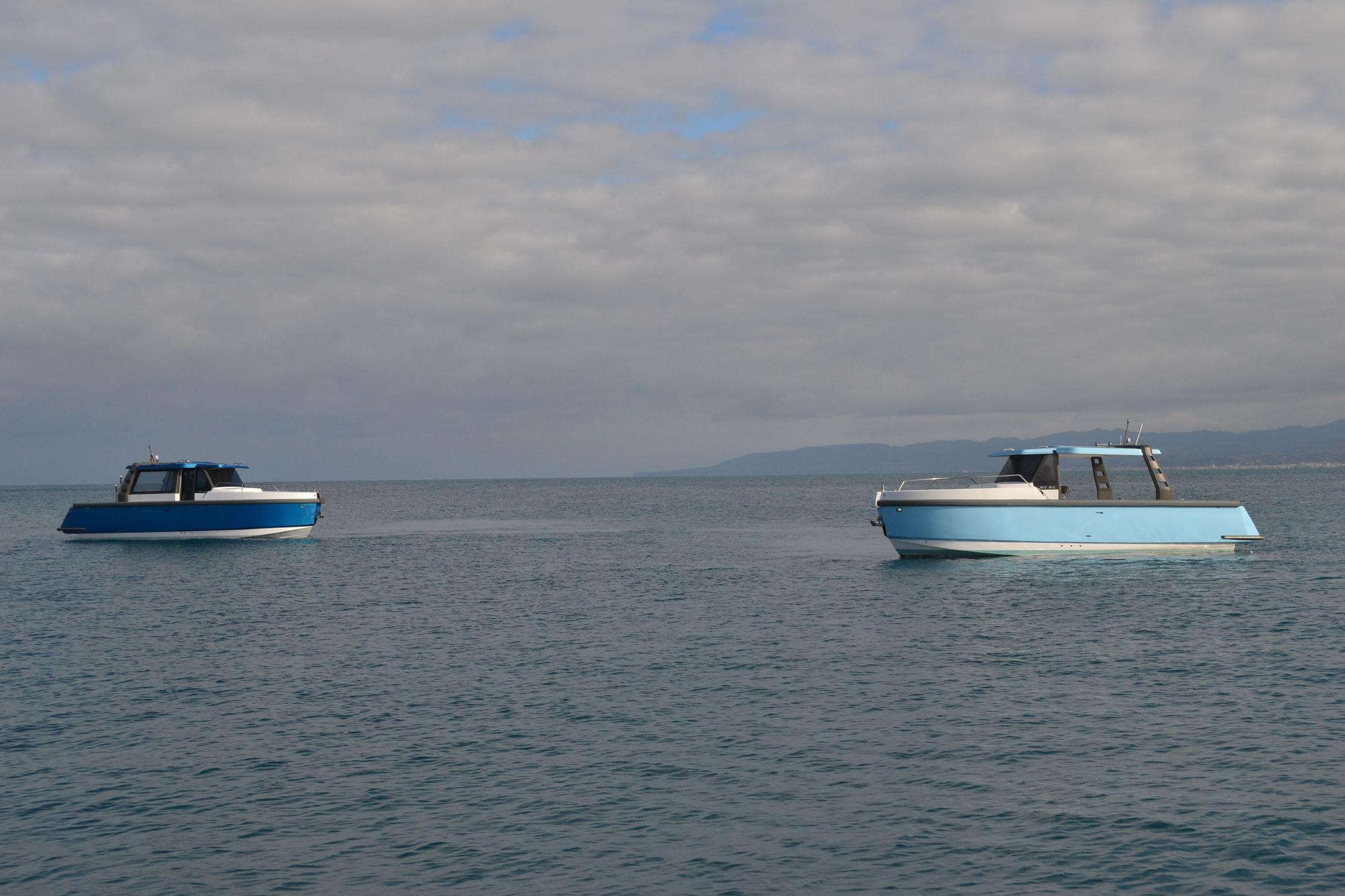 Solar-electric powered express cruiser / hybrid / open
