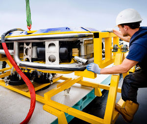 hull cleaning underwater ROV