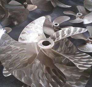 ship propeller / controllable pitch / shaft drive / 5-blade