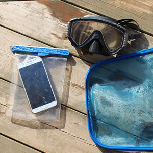 Samsung Galaxy waterproof pouch