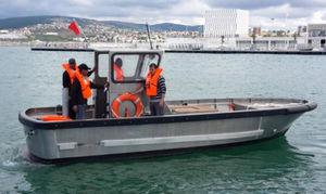 work boat professional boat / tugboat / line-handling boat / inboard